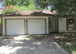 Foreclosed Home in Baytown 77520 510 HARRISON AVE - Property ID: 2590777