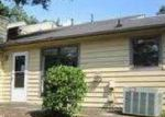 Foreclosed Home in Lawrenceville 30046 118 SANDALWOOD CIR - Property ID: 2821862