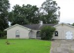 Foreclosed Home in Baytown 77520 7 ROSELAND DR - Property ID: 3260712