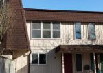 Foreclosed Home in Longview 98632 105 JAMES ST APT 5 - Property ID: 3268194