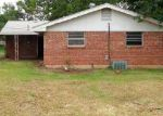 Foreclosed Home in Oklahoma City 73115 717 MARK DR - Property ID: 3317123