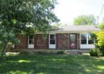 Foreclosed Home in Louisville 40229 405 S STEEDLAND DR - Property ID: 3359064