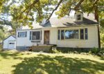 Foreclosed Home in Saint Clair 48079 1630 S RIVERSIDE AVE - Property ID: 3361794