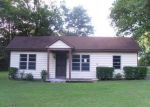 Foreclosed Home in Memphis 38109 1734 W RAINES RD - Property ID: 3370652
