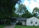 Foreclosed Home in Baytown 77520 306 GREENBRIAR ST - Property ID: 3380075