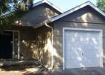 Foreclosed Home in Eugene 97402 553 HANOVER ST - Property ID: 3388792