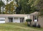 Foreclosed Home in Atlanta 30344 3743 CHARLES DR - Property ID: 3451519