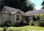 Foreclosed Home in Longview 98632 911 CASTLEMAN DR - Property ID: 3454992