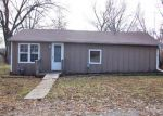 Foreclosed Home in Topeka 66617 325 NW 58TH ST - Property ID: 3489565