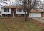 Foreclosed Home in Louisville 40229 278 N SKYLINE DR - Property ID: 3489647