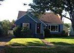 Foreclosed Home in Longview 98632 561 24TH AVE - Property ID: 3513677