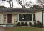Foreclosed Home in Arlington 76013 1309 W LOVERS LN - Property ID: 3546120