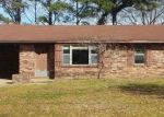 Foreclosed Home in Benton 72015 2816 N HIGHWAY 229 - Property ID: 3548191