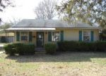 Foreclosed Home in Memphis 38108 4389 RIVIERA DR - Property ID: 3550393