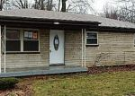 Foreclosed Home in Louisville 40229 9714 BLUE LICK RD - Property ID: 3605416