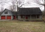 Foreclosed Home in Lawrenceburg 40342 1102 WOODLAKE DR - Property ID: 3613163