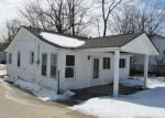 Foreclosed Home in Waterford 48328 2818 BUICK AVE - Property ID: 3625693