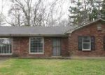 Foreclosed Home in Memphis 38128 4261 WINDERMERE RD - Property ID: 3626283