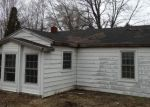 Foreclosed Home in Waterford 48327 5913 DWIGHT AVE - Property ID: 3628588