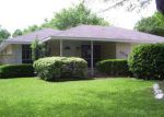 Foreclosed Home in Houston 77040 7223 LOG HOLLOW DR - Property ID: 3654996