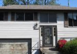 Foreclosed Home in Seattle 98106 1400 SW MYRTLE ST - Property ID: 3658414