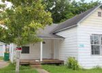 Foreclosed Home in Baytown 77520 206 E HUNNICUTT ST - Property ID: 3688286