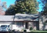 Foreclosed Home in Southfield 48033 21420 LAHSER RD - Property ID: 3724376