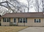 Foreclosed Home in Topeka 66605 1019 SE 33RD ST - Property ID: 3750544