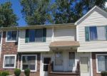 Foreclosed Home in Roseville 48066 17455 UTICA OAKS LN UNIT 30 - Property ID: 3772749