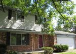 Foreclosed Home in Waterford 48328 2784 W HURON ST - Property ID: 3789961